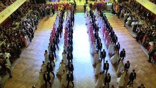 Avec 450 bals et plus de 500.000 convives, les célèbres bals vienno...