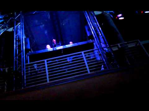Infected Mashrooms-Smashing The Open (UCR Heat 2011)