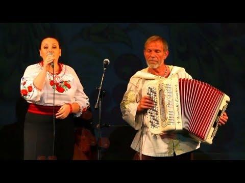 Смотреть клип Ой, у вишневому саду╰❥Красивая Украинская народная песня о любви под баян. Очаровательное исполнение онлайн бесплатно в качестве