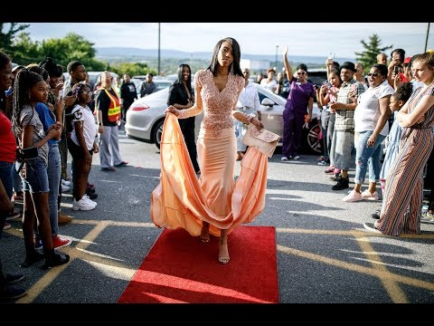 Students arrive for the Dauphin County Technical School 2019 prom