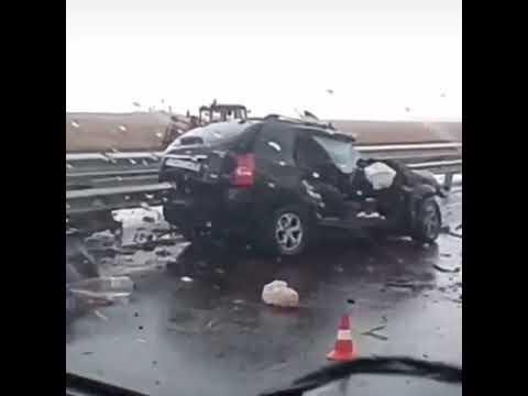На «Тавриде» легковушка протаранила грузовик: среди погибших дети
