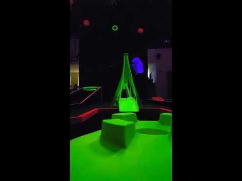 Minigolf Glow in the dark Minigolf & Fun centar Zagreb