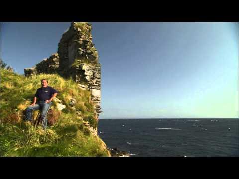 Lagavulin Bay and Dunnyveag Castle Islay History