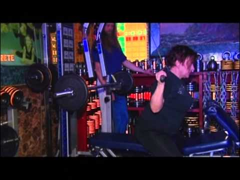 Silvi Vrait teeb jõutrenni / Silvi Vrait Works Out (ETV Ringvaade 2011) [English subtitles]