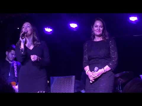 Adriana & Peisha McPhee - Can't Help Lovin' Dat Man - Stand Up and Sing