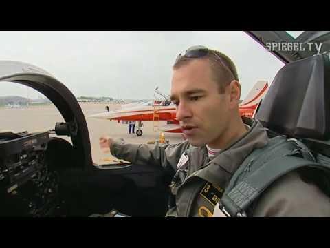 Spiegel tv kunstflugstaffel patrouille suisse youtube for Youtube spiegel tv