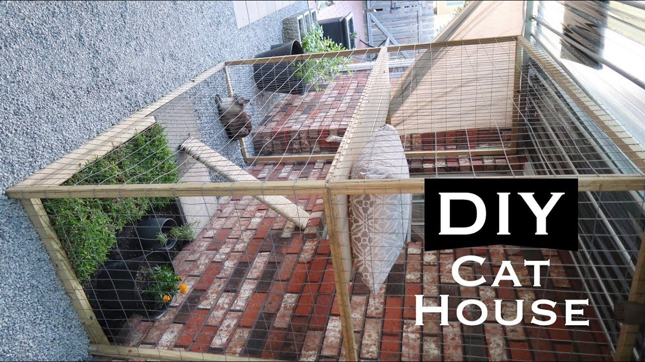 Diy Inexpensive Outdoor Cat House Youtube