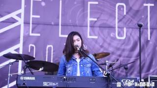 Download Lagu The Chainsmokers - Closer (Cover by Isyana Sarasvati) @Electric 2016 mp3