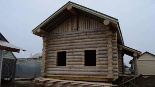 видео Деревянный дом с не рублеными фронтонами
