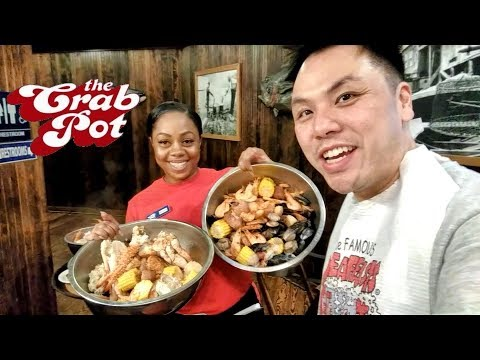 Seattle Food Tour - Happy Hour Seafood Crab Pot