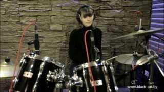"""Мария (ученица студии """"Black CaT""""), обучение на барабанах в Минске"""