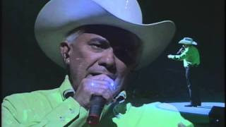 reynaldo armas le canta a caracas 2 4