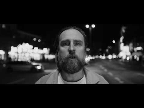 Liedfett - schlaflied (Victor Flowers RMX) (Offizielles Video)