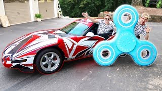CORVETTE VS. WORLDS BIGGEST FIDGET SPINNER!!
