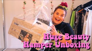 HUGE PR UNBOXING // SNS SUMMER BEAUTY HAMPER // Sophie Payne