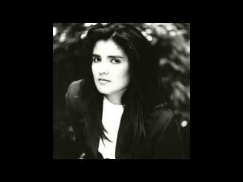 Tanita Tikaram - Cathedral Song (Lyrics)