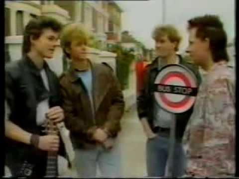 a-ha on bus stop (1985)