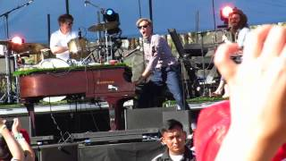 Andrew McMahon performing Cecilia and the Satellite at Coachella 2015 Weekend 2