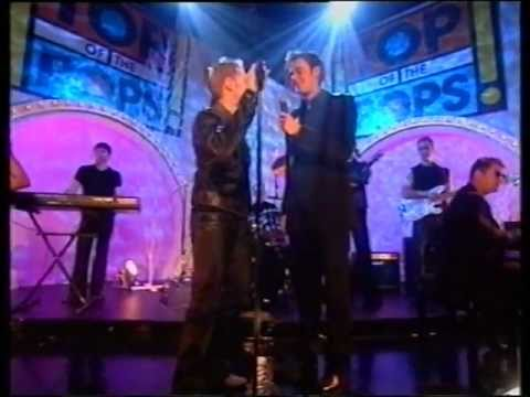 Ronan Keating - Life is a Rollercoaster (HQ) TOTP Xmas 2000 [Original broadcast]
