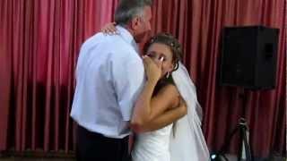 Армянский танец отца и дочери