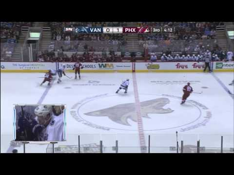 Martin Hanzal takes out three Canucks in under 5 minutes, a new record!