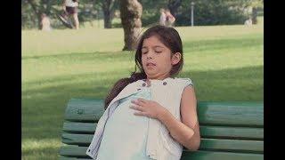 У беременной 10-летней девочки начались роды в парке