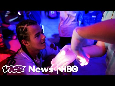 These Competitors Want 'Gloving' To Be The Next Big Sport: VICE News Tonight on HBO