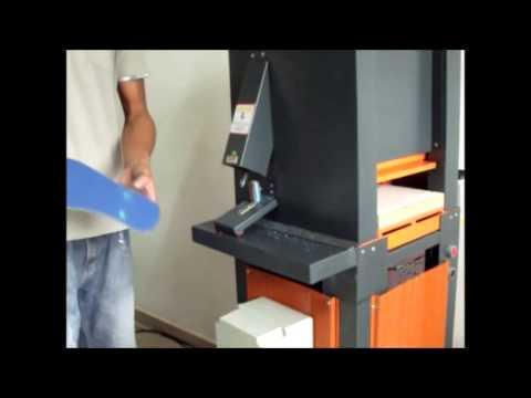 422d0f15b Maquina de fabricar chinelos super power mister L - YouTube