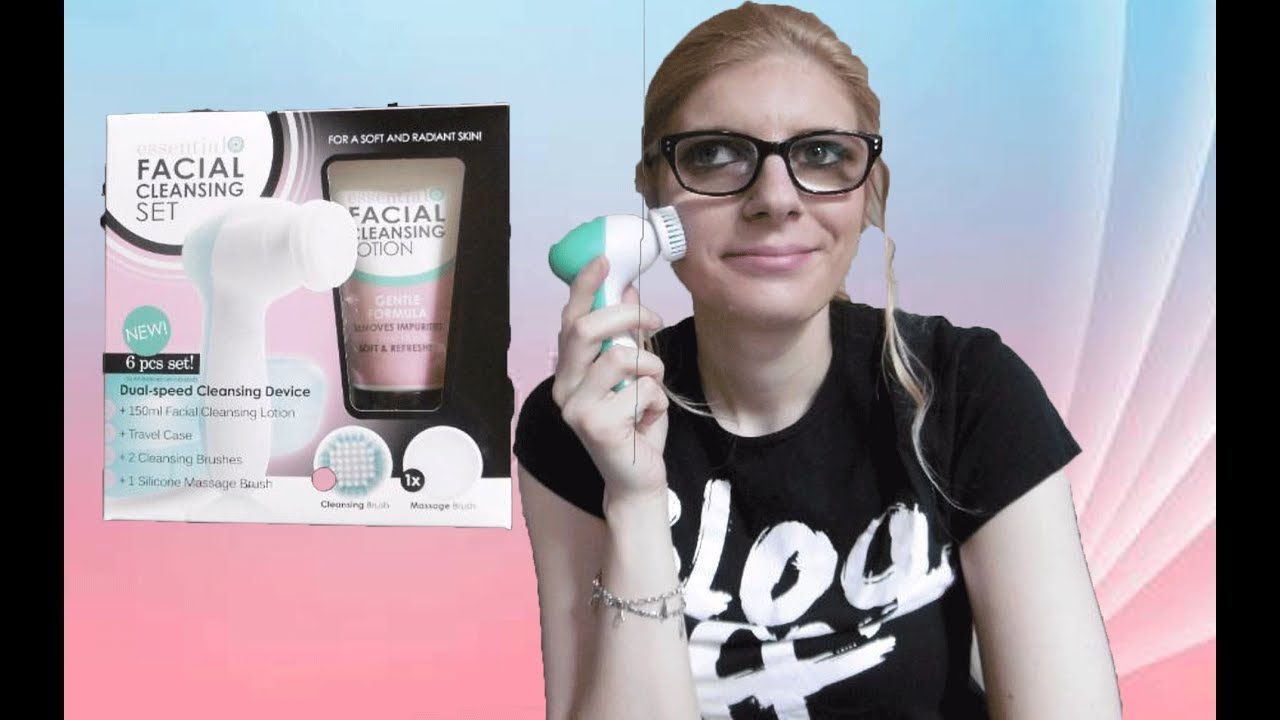 Topic facial cleansing set