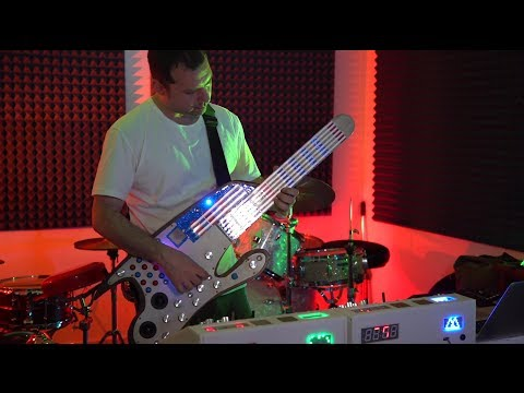 The Story of Smomid | A futuristic DIY Guitar Midi Controller