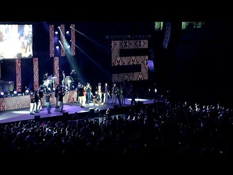 pidió la mano en concierto de Banda MS en Oracle Arena