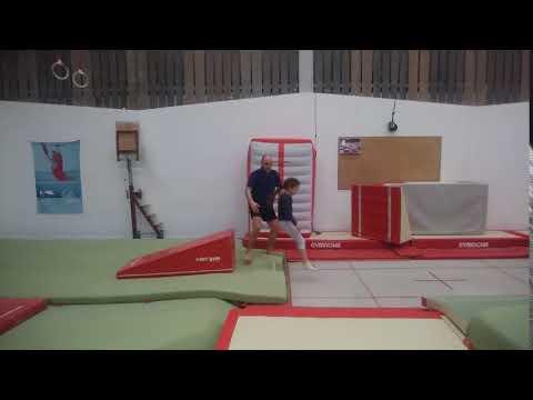 Baby GYM Akrobatik Trampolin Akrobatik Tumbling Schweiz Basel  Lörrach Frankreich