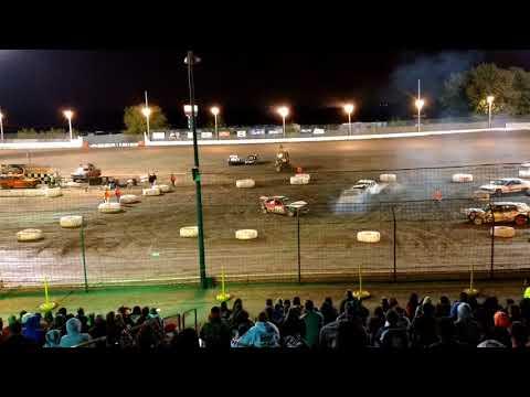 9/8/17 Sycamore Speedway - Spectator Demolishing Derby
