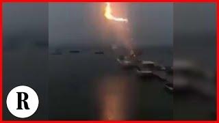 Boston, il fulmine centra la barca nel porto: il boato è impressionante