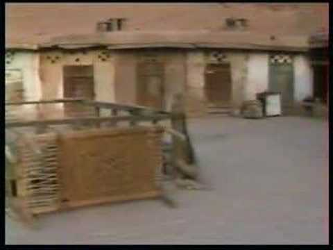 The streets and bazars of Peshawar in august 1990