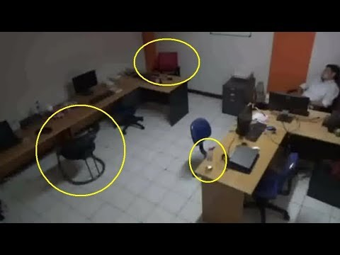 WOW!!! Poltergeist Caught On CCTV At The Office In Jakarta