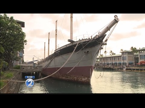 State 'evicts' Falls of Clyde from Honolulu Harbor, citing safety concerns