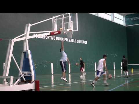 sesion-de-entrenamiento-de-baloncesto.-tiro