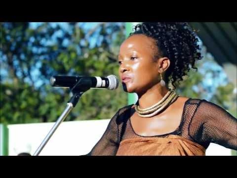 Lucrecia  Paco    Mulher Asfalto  Live FEIMA Maputo