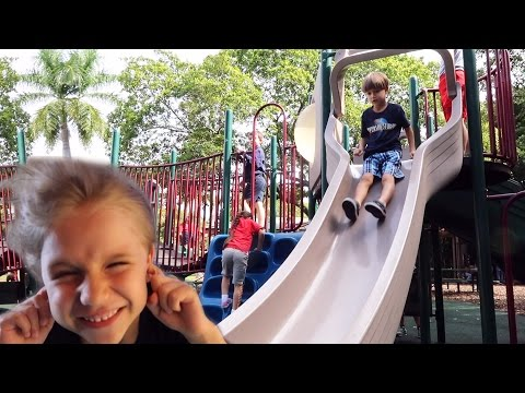 Hurricane in a Zoo - Family Fun Time in Jungle Island - Animals and Playground