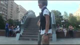 Зачем Даня залез на столб в центре Москвы?    Why Danya did climb on column?