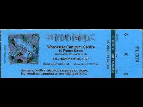 1997.11.28 - The Curtain - You Enjoy Myself