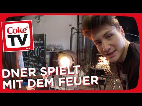 Julia Beautx und Dner in der Glasbläserei | #CokeTVMoment