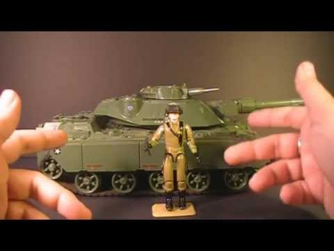 HCC788 - 1982/1983 MOBAT tank and STEELER - G. I. Joe toy review! S01E39