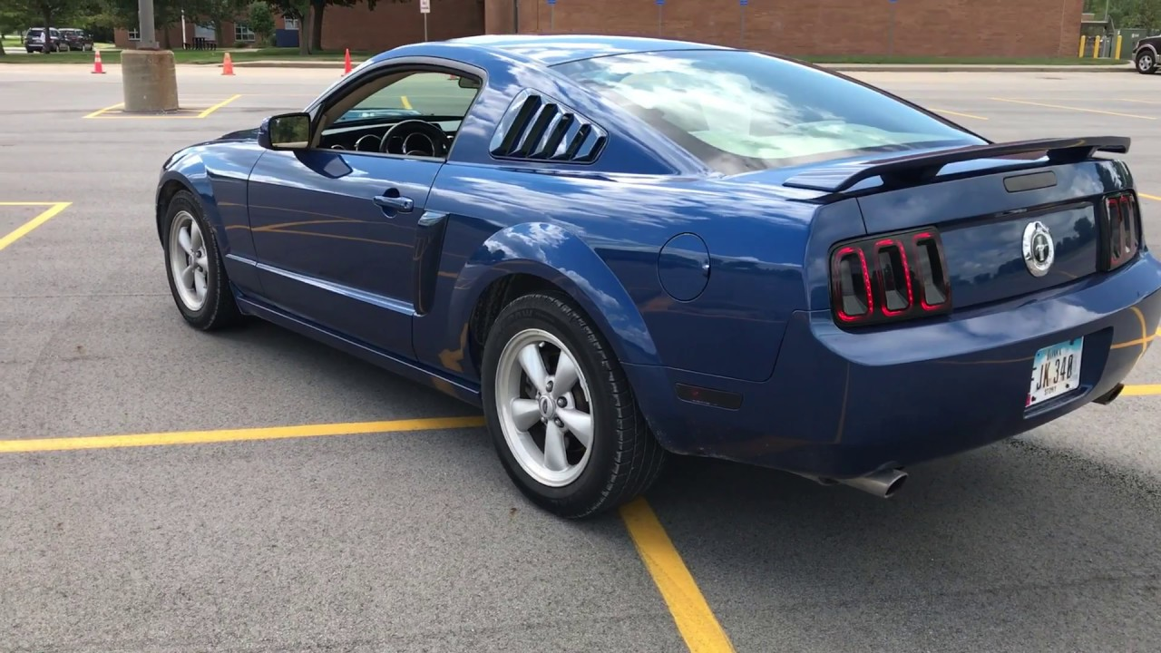 2006 Ford Mustang V6 Review
