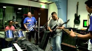 Download Hazzard - Sambutlah Kasihku (Cover Lovehunters) MP3 song and Music Video