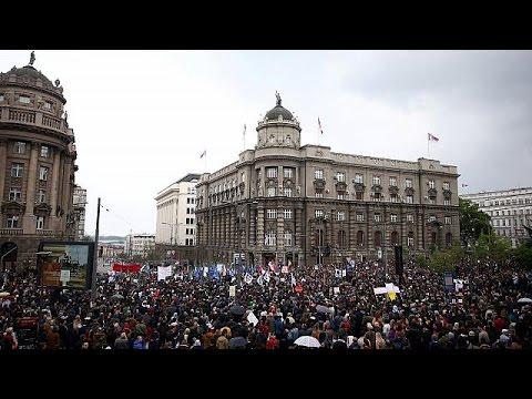 Szerbia: tovább tüntetnek Vucic ellen