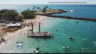 Hokulea sails to the west side, celebrates Buffalo Keaulana