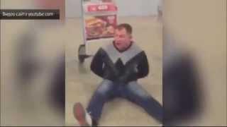 Неадекватный пассажир устроил пьяный дебош в Шереметьево(Правоохранительным органам пришлось применить силу, чтобы угомонить взбунтовавшегося пассажира самолета,..., 2015-04-09T17:20:32.000Z)