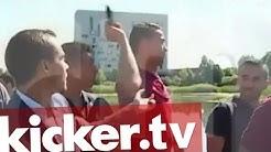 Cristiano Ronaldo wirft Mikro in den See - Reporter vs. Superstar - kicker.tv